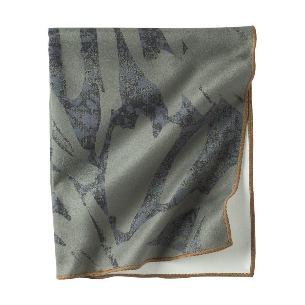 prAna Maha Hand Towel RYE_GRN_LA_PALMA