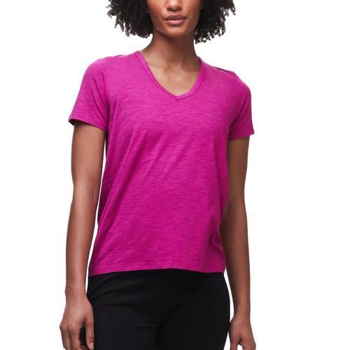 tasc Women's St. Charles V-Neck T Shirt Fuchsia_674