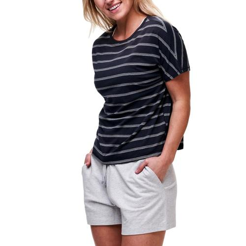 tasc Women's Sun's Out Boxy T-Shirt Navy/White_410