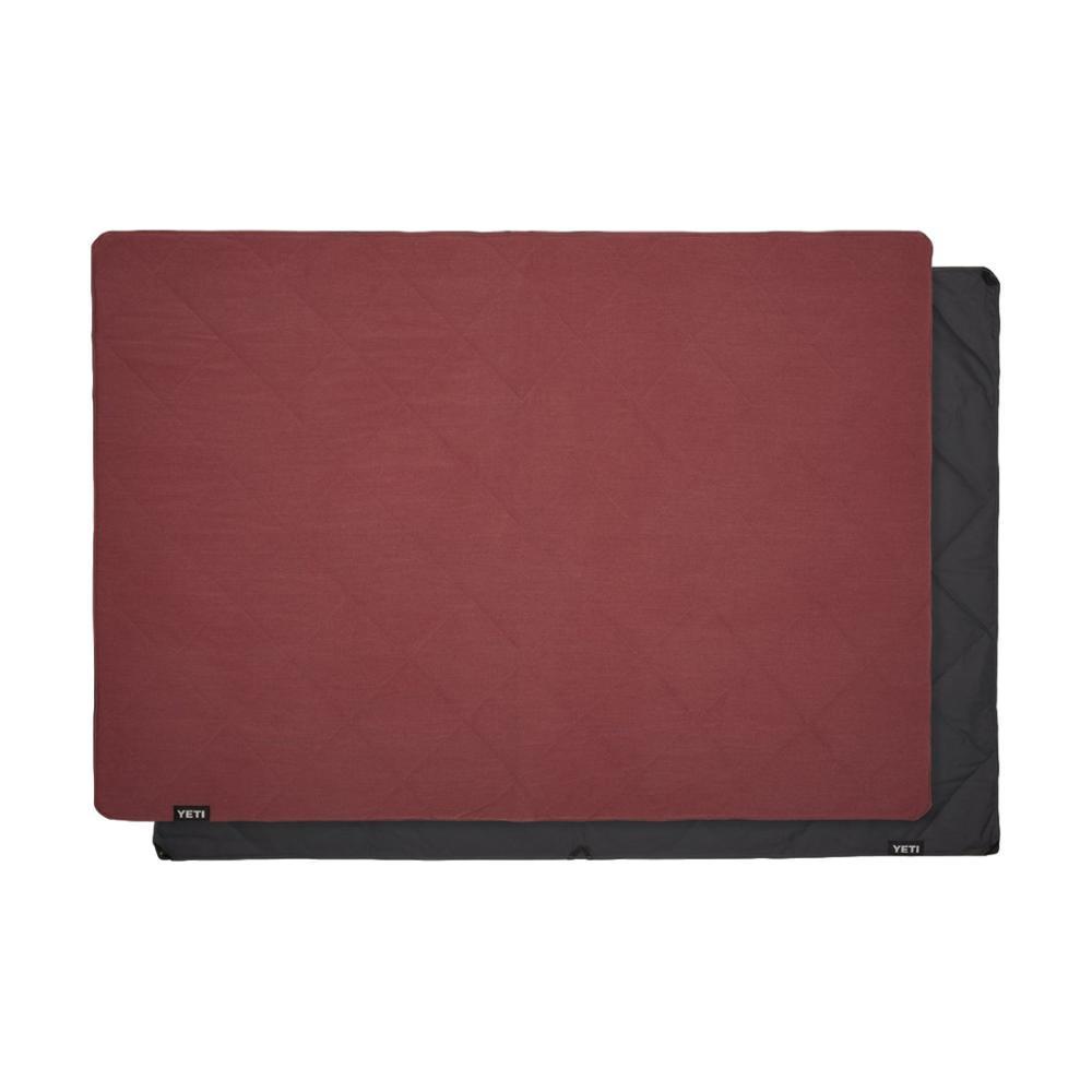 YETI Lowlands Blanket FIRESIDE_RED