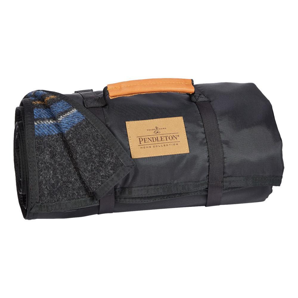 Pendleton Roll-Up Blanket SUM_LAKE