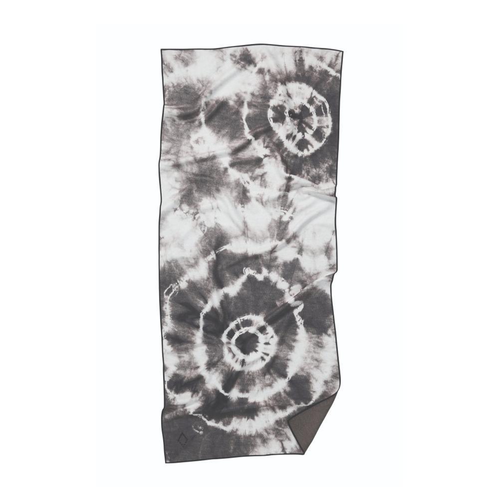 Nomadix Tie Dye Black and White Towel TIE.DYE_BLK.WHT
